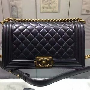 :New Chanel Boy Flap Bag Medium Gold